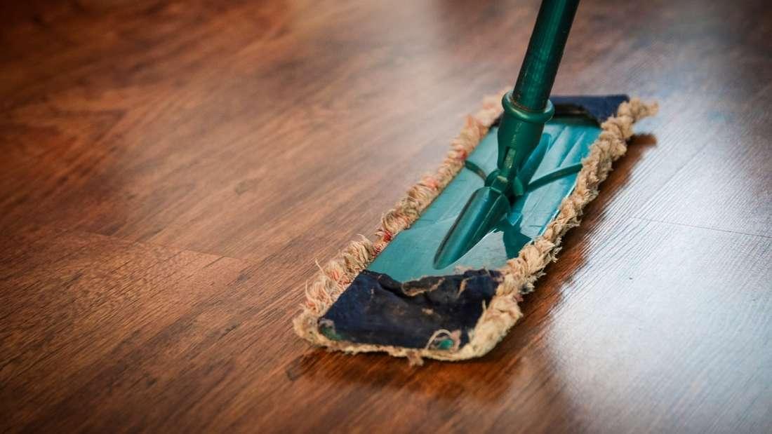 Selbst bei Hausstauballergie kann man sich nicht vor dem Putzen drücken.