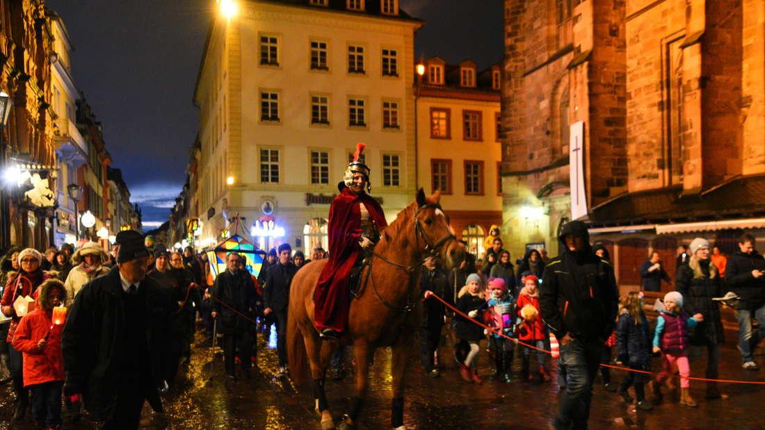 Der wunderschöne Martingsumzug durch die Altstadt.