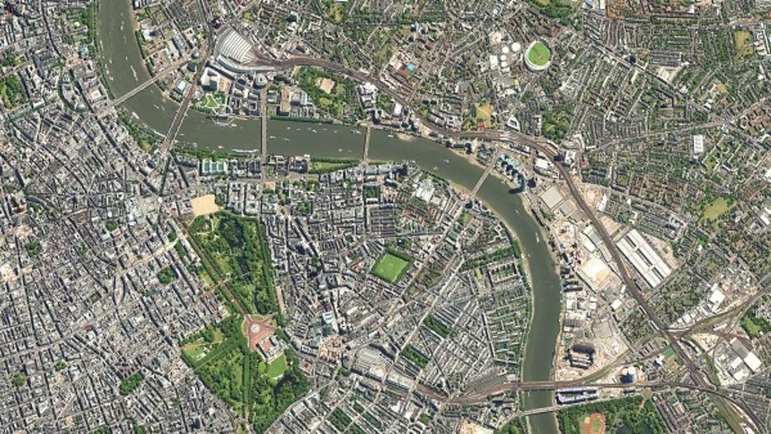 Die 8,7 Millionen Einwohner der Stadt bieten ein buntes Bild, das die vielfältigen kulturellen Einflüsse ihrer Geschichte widerspiegelt. Gegenwärtig ist London mit den Anpassungen an die Änderungen beschäftigt, die der Brexit mit sich bringt, der Austritt Großbritanniens aus der Europäischen Union.