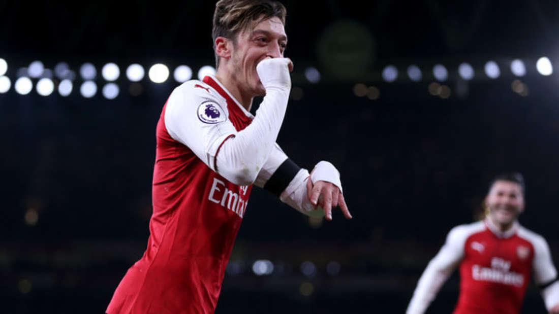Platz 1: Überraschender Sieger im Vermögensranking ist ... Mesut Özil! Der Fußballstar spielt seit 2009 für Deutschland und hat bis jetzt 35 Millionen Euro verdient.