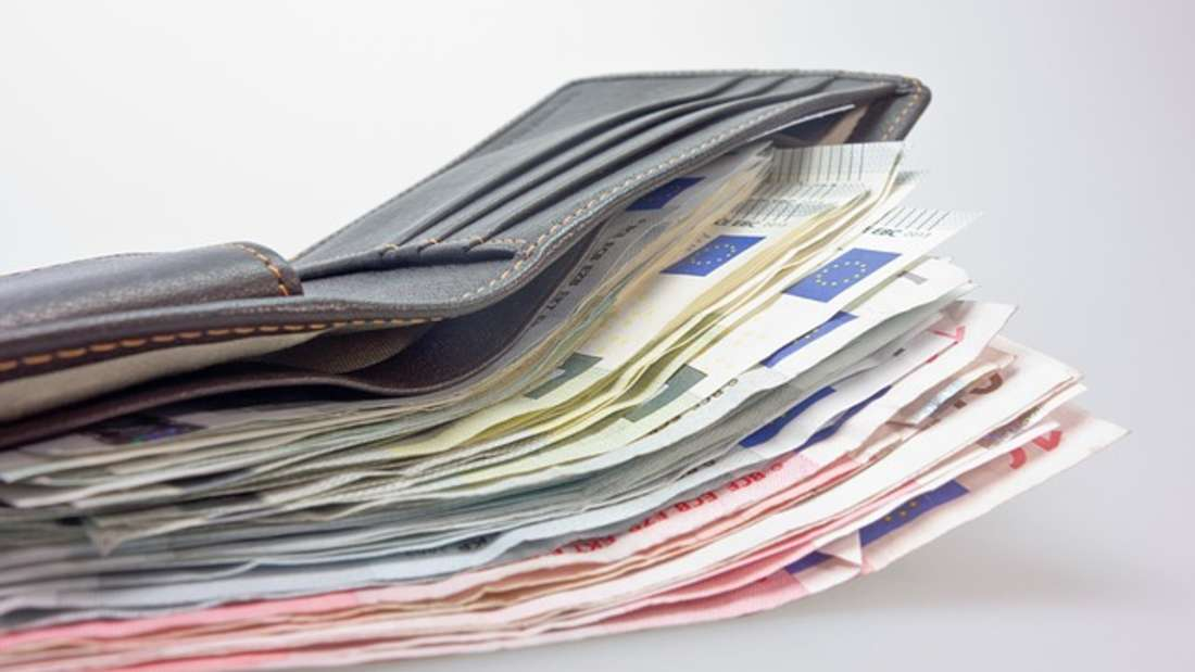 Um gutes Geld zu verdienen, müssen Sie nicht unbedingt studieren. In manchen Berufen reicht auch eine Ausbildung oder Abitur, um zum Top-Verdiener zu werden.