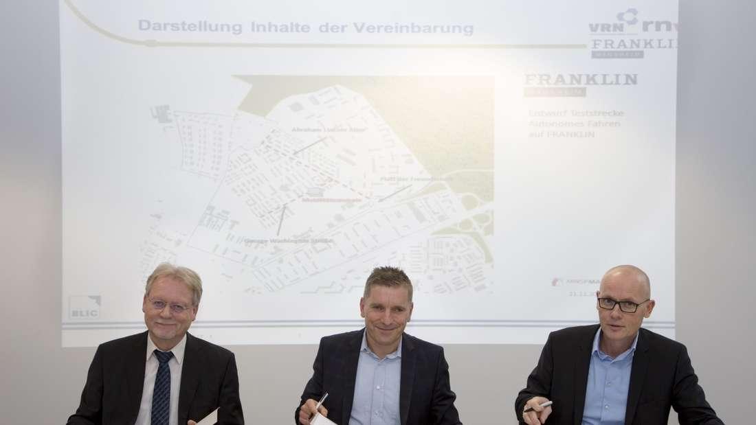 v.l.n.r. Volkhard Malik (VRN Geschäftsführer) Martin In der Beek (Techn. Geschäftsführer rnv), Achim Judt (Geschäftsführer MWSP)