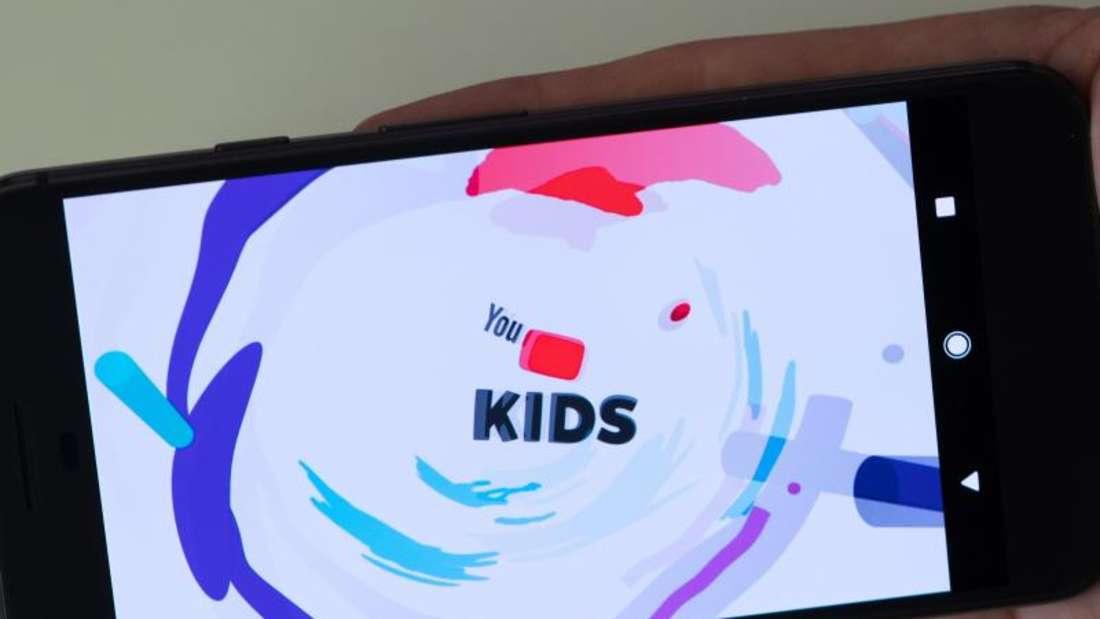 Auf Youtube Kids sollen nur kindgerechte Inhalte laufen. Foto: Soeren Stache/dpa