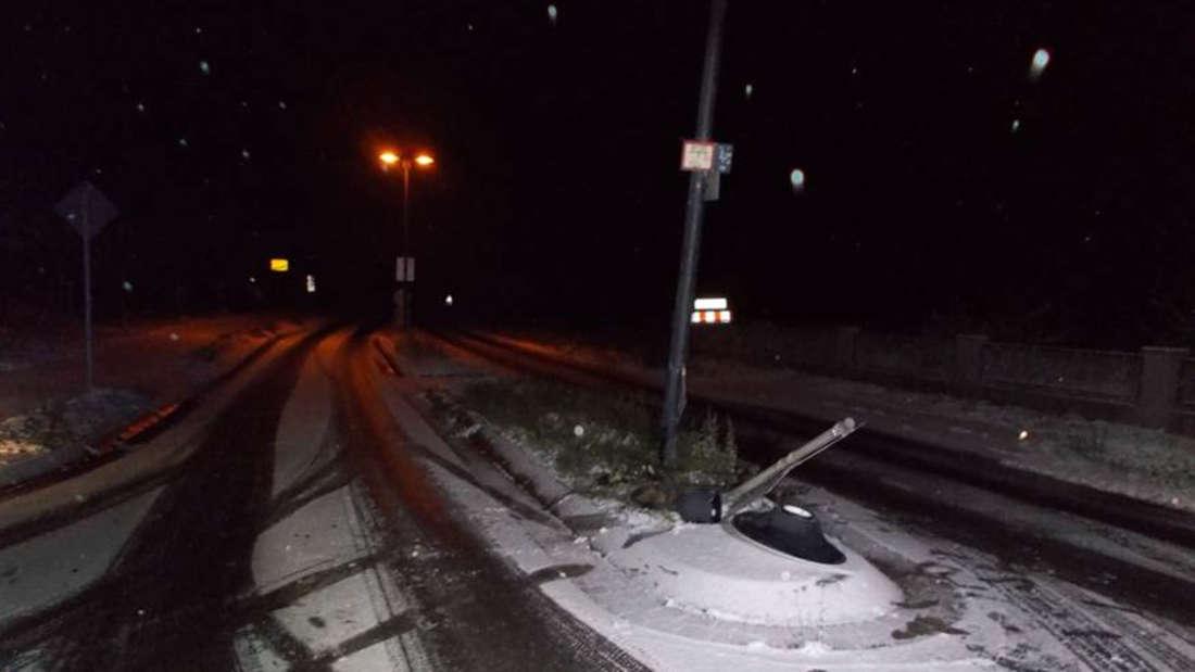 Schnee-Unfall in der Herxheimer Straße in Weisenheim am Berg.