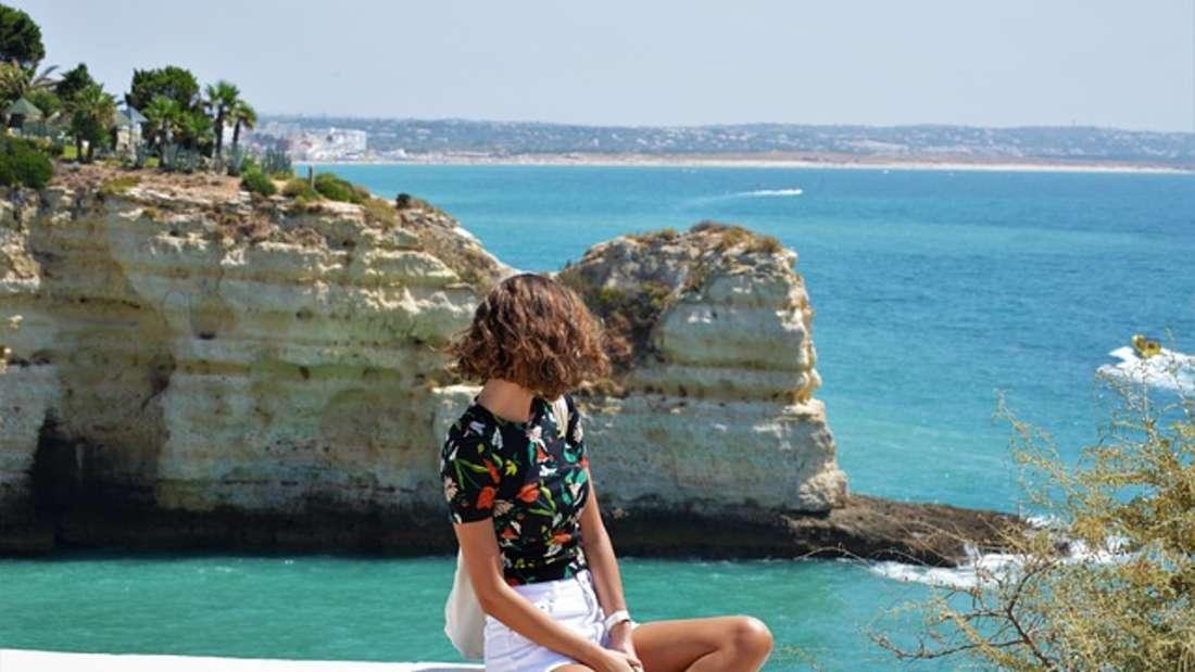 Unterirdische Höhlen, malerische Klippen und türkisblaues Meer: Die portugiesische Algarve ist mehr als nur ein Touristenort.