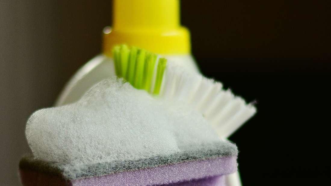Für 14 Prozent der Befragten hat der Mitbewohner definitiv zu viele und überflüssige Wasch- oder Putzmittel zu Hause – deshalb wurden einige bereits still und heimlich entsorgt.
