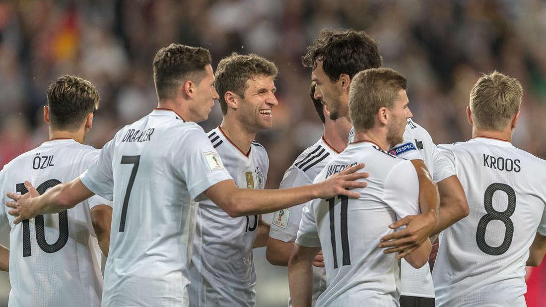 Sie sind im Kader von Deutschland bei der WM 2018: Von links Mesut Özil, Julian Draxler, Thomas Müller, Mats Hummels, Timo Werner und Toni Kroos.