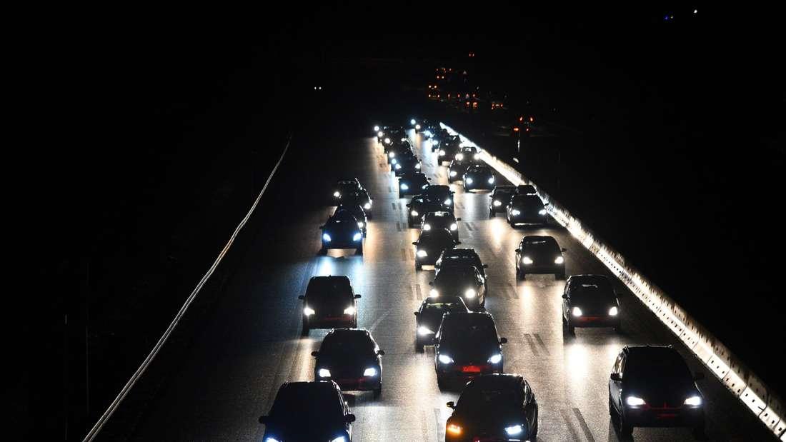 4 Unfälle auf A6, mehrere Personen verletzt, Stau bis nach Sinsheim