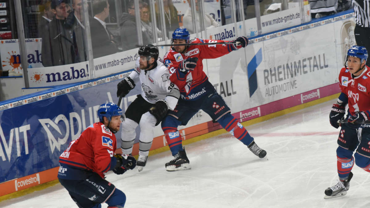 fotos del 40 spieltag adler mannheim gegen n rnberg ice tigers adler mannheim. Black Bedroom Furniture Sets. Home Design Ideas