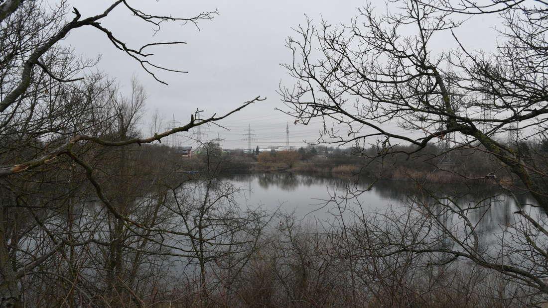 Das Gebiet rund um den Pfingstbergweiher ist weiträumig abgesperrt