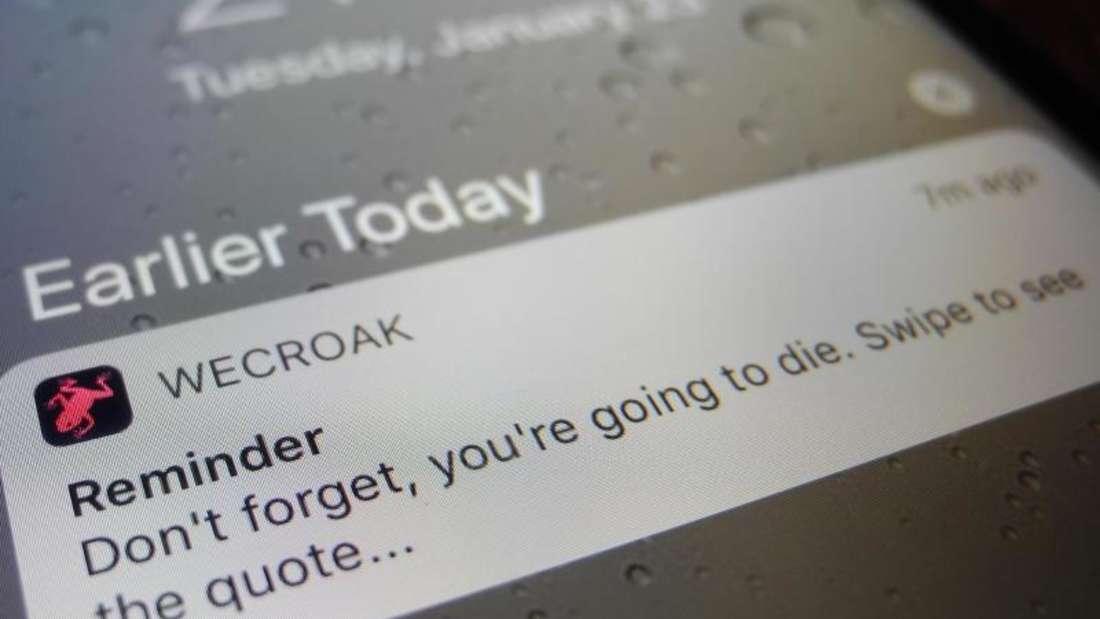 Heute schon an den Tod gedacht? Mit «WeCroak» vergisst das keiner. Foto: Johannes Schmitt-Tegge/dpa