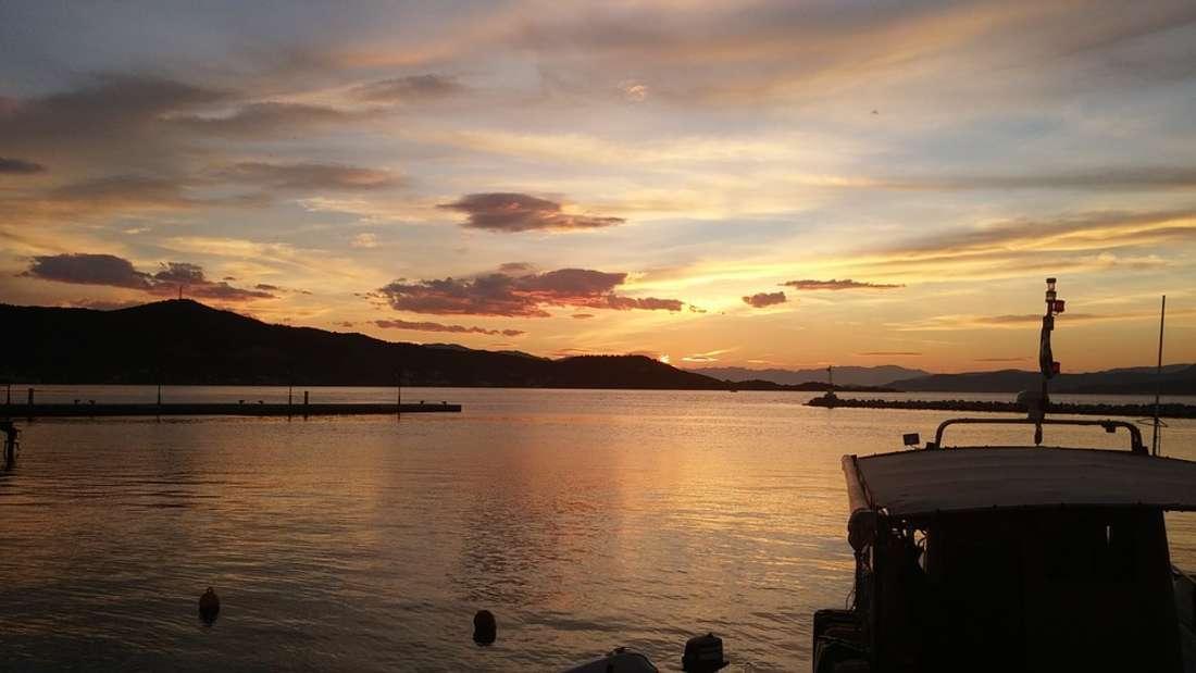 Die zweitgrößte Insel Griechenlands nach Kreta ist Euböa. Vor allem die Anzahl hübscher Strände macht sie aus. So findet man hinter fast jeder Wegbiegung eine Traumbucht, die es zu erkunden gilt.