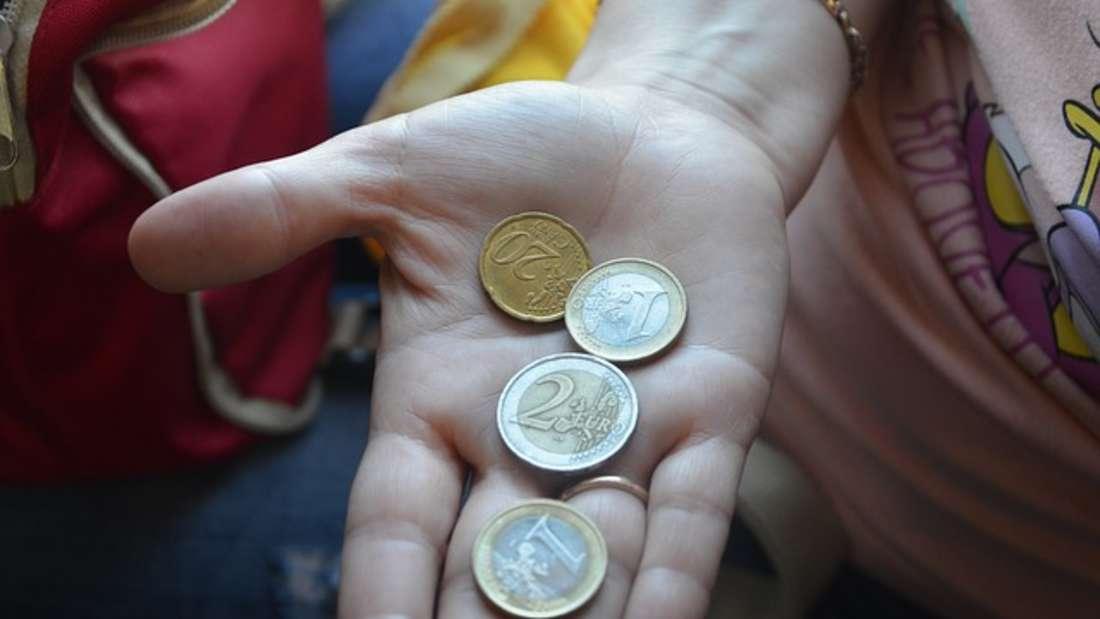 Falsche Motive, Fehlprägungen oder alte Europakarte: Es gibt viele Münzen, die im Umlauf - und sehr viel wert sind.