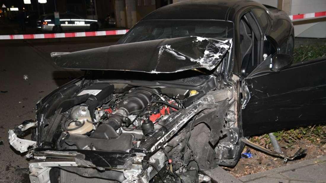 Ein Auto nach dem Unfall. (Archivfoto)
