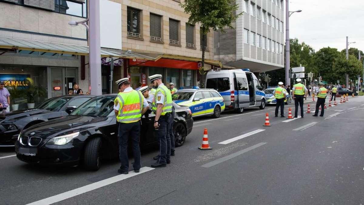 Mannheim: Polizei macht Jagd auf Poser in der Fressgasse ...