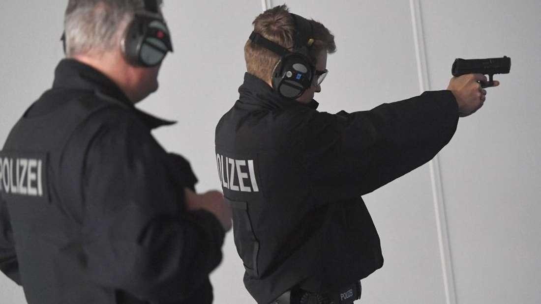 Platz 7: Dank Nacht- und Wochenendzuschlägen können angehende Polizisten bis zu 1.100 Euro verdienen.