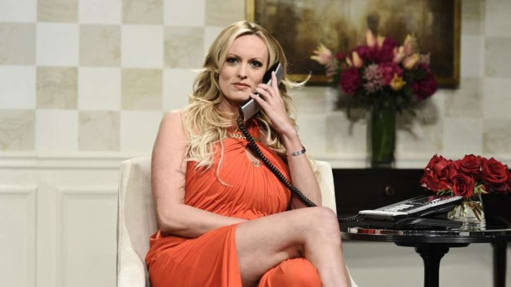 "Pornodarstellerin Stormy Daniels in der Fernsehsendung ""Saturday Night Live"". Foto: Will Heath/NBC"