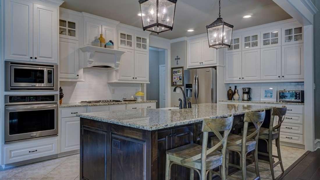 Extravagant und doch elegant: So kann ein minimalistischer Wohn-Look auch gut aussehen.