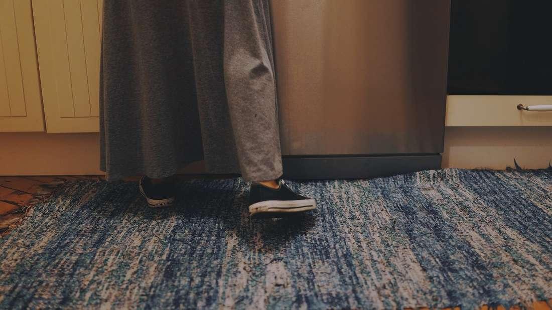 Ein Teppich der ständig verrutscht, ist ziemlich nervig. Wir haben Tipps für Sie.