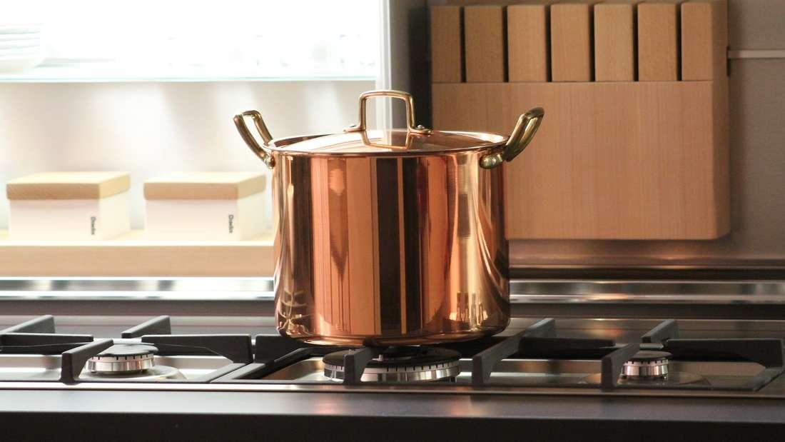 Kupfer lässt sich auf verschiedene Arten reinigen.