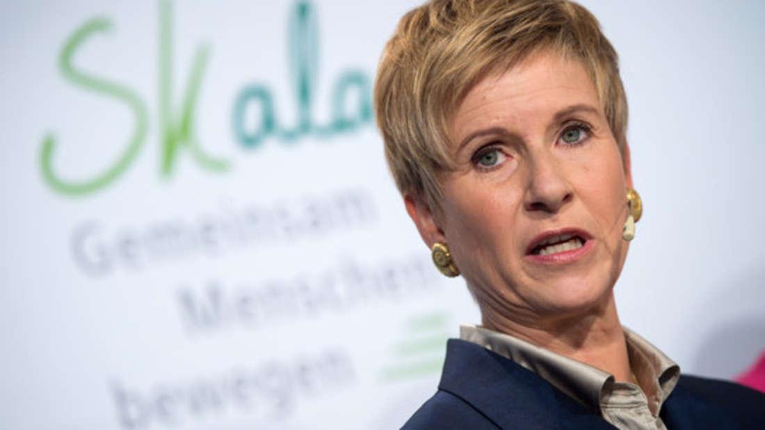 Die Unternehmerin Susanne Klatten gilt als eine der reichsten Frauen Deutschlands. So besitzt sie nicht nur 20,8 an der BMW Gruppe, sondern ist auch aktives Mitglied im Aufsichtsrat sowie stellvertretende Vorsitzende des deutschen Chemiekonzerns Altana AG. Geschätztes Vermögen: 27 Milliarden Euro.