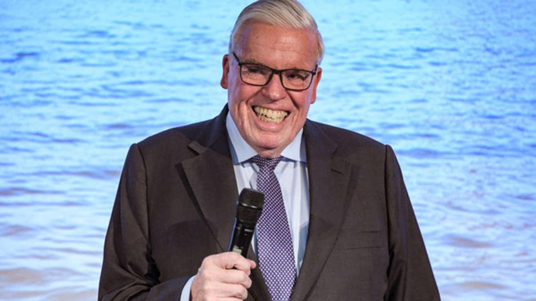 Klaus-Michael Kühne hat wahrlich gut lachen: Der Unternehmer ist der größte Einzelaktionär des Logistikunternehmens Kühne + Nagel International AG, welches sein Großvater 1958 gegründet hat. Zudem ist er Präsident des Verwaltungsrats - und großer HSV-Fan. Geschätztes Vermögen: 16,4 Milliarden Euro.