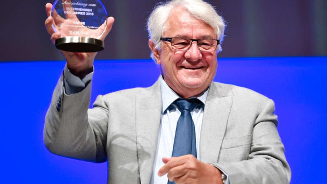 Hasso Blattner war Mitgründer bei SAP, dem größten deutschen und europäischen Softwarehersteller mit Sitz in Walldorf, Baden-Württemberg. Heute lehrt er als Professor an der Universität Potsdam am Hasso Plattner Institut für Softwaresystemtechnik. Geschätztes Vermögen: 13, 8 Milliarden Euro.