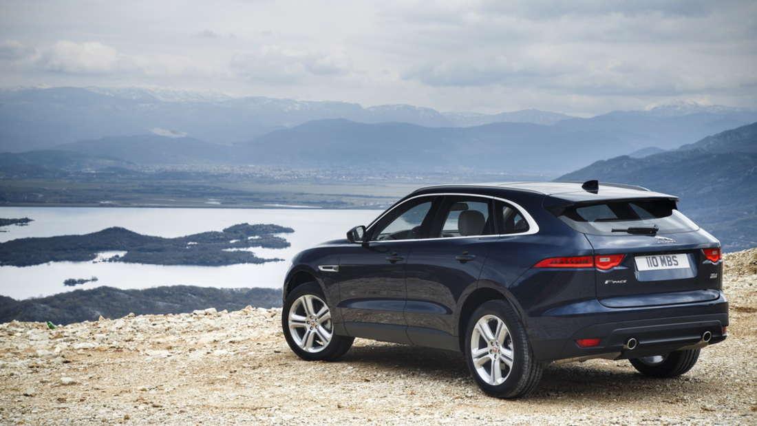 statt Range Rover fährt er aber lieber mit seinem Jaguar F Pace durch London.