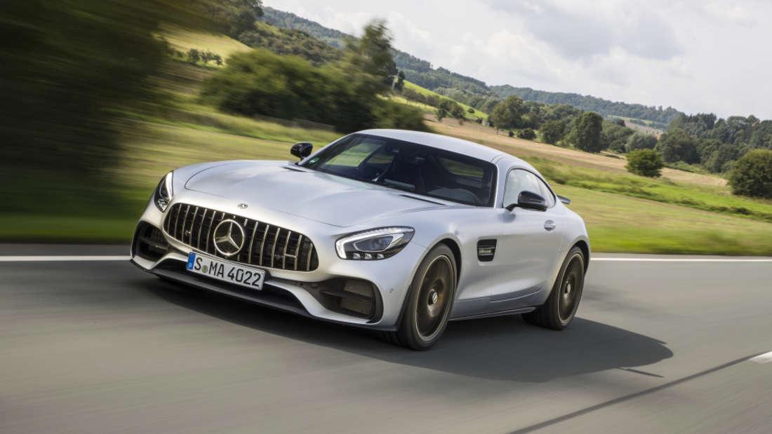 … dort fährt Ramos nämlich einen schicken Mercedes-AMG GT S.