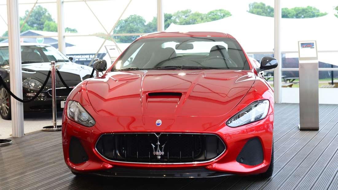 … also Vorsicht in Barcelona, wenn ein Maserati Gran Turismo vorbeirauscht. Es könnte Messi höchst selbst sein.