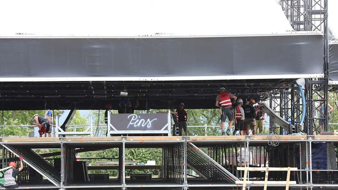 Der Aufbau der Bühne dauert drei Tage.