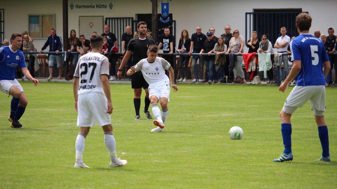 Waldhof-Talent Morris Nag schnürt im ersten Testspiel gegen den MFC 08 Lindenhof einen Doppelpack.