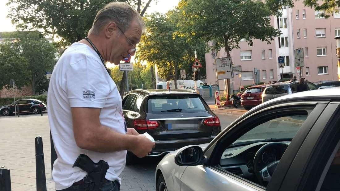 Ein Abend mit der 'Einsatzgruppe Poser' der Polizei Mannheim.