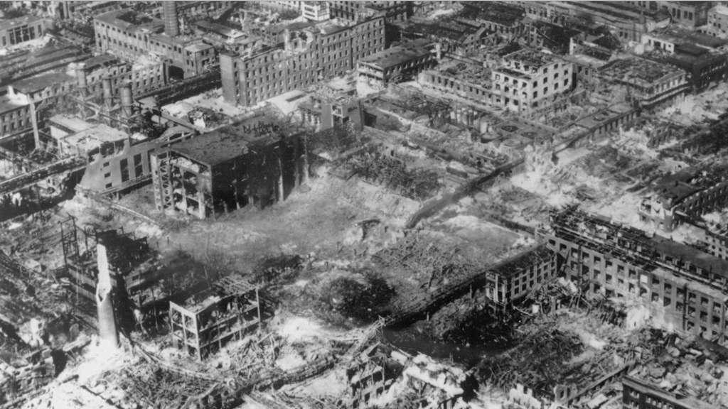 ludwigshafen stadt und basf gedenken am 28 juli an opfer des explosionsungl cks 1948 mit 207. Black Bedroom Furniture Sets. Home Design Ideas