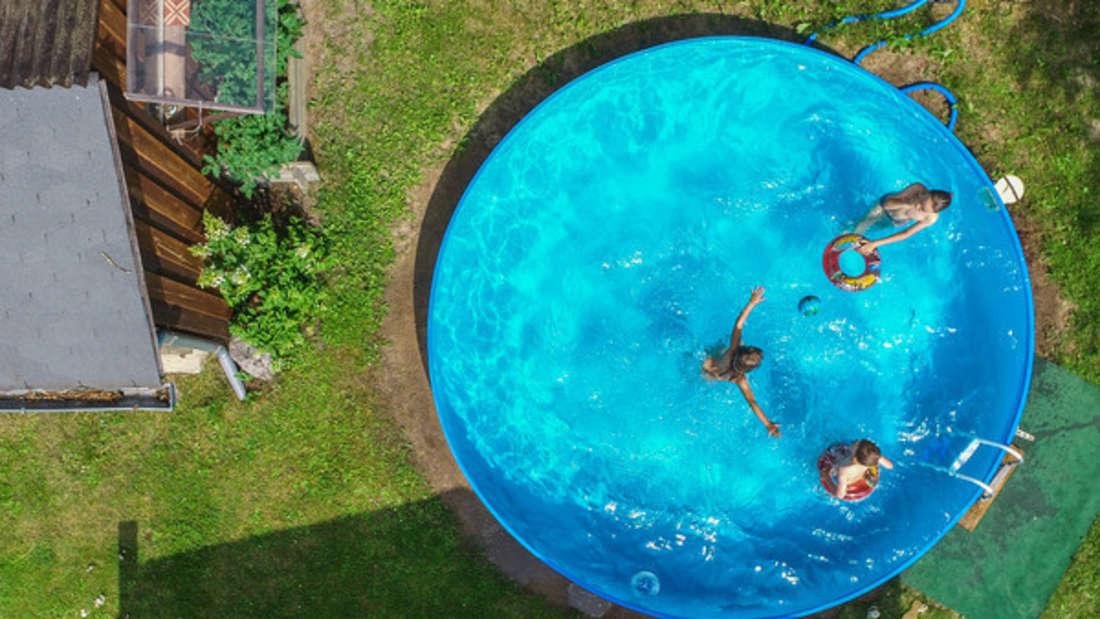Ein Pool bringt das Freibad in den heimischen Garten.