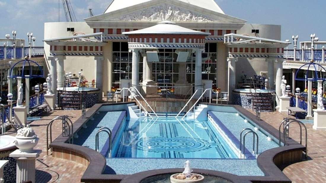 Pools auf Kreuzfahrtschiffen brauchen eine ganz besondere Konstruktion.