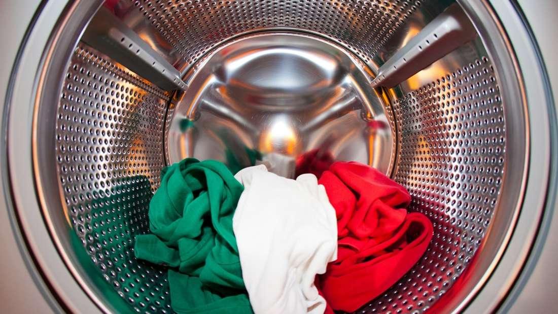 Wer seine Wollkleidung noch vor der ersten Wäsche behandelt, vermeidet unschöne Fussel.