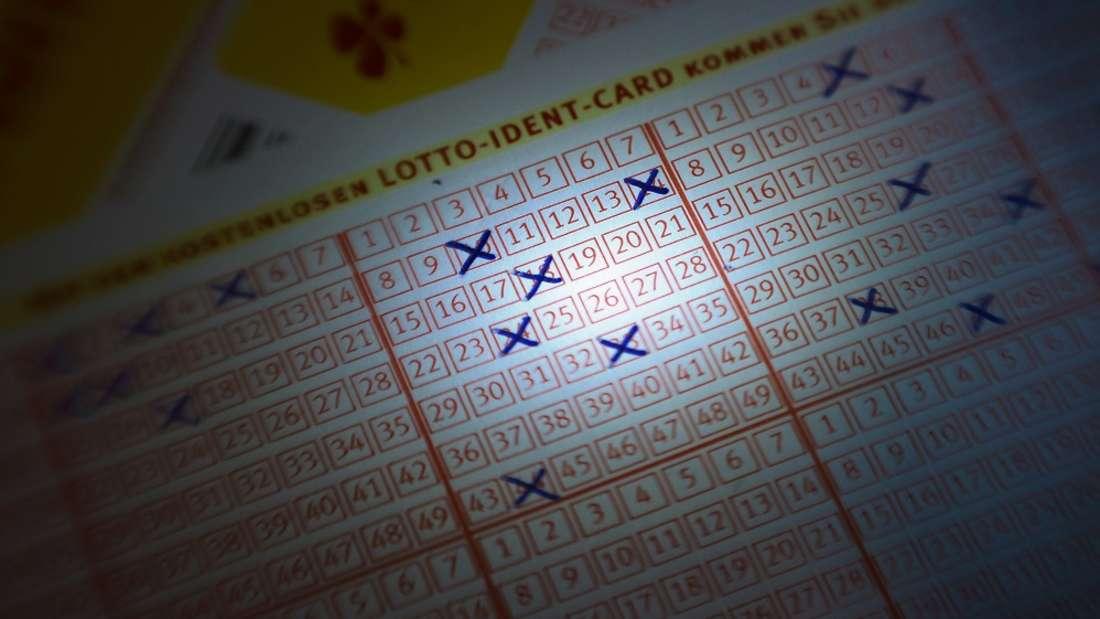 Ein Paar verprasste knapp vier Millionen Euro, das es im Lotto gewonnen hatte.