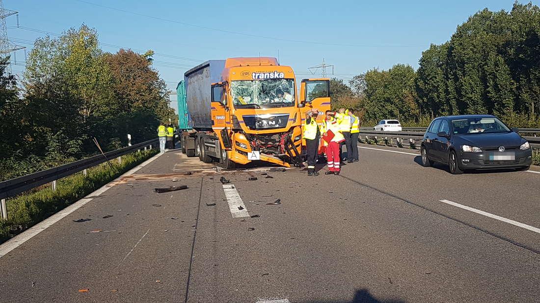 Unfall auf der A6 bei Mannheim-Sandhofen.
