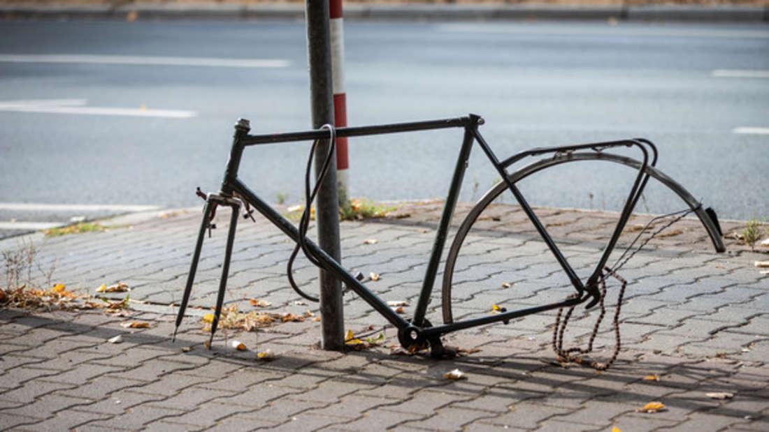 Ganz so wild sah es vielleicht nicht aus - trotzdem ärgerte sich eine Studentin über Unbekannte, die es auf ihr Fahrrad abgesehen hatten (Symbolbild).