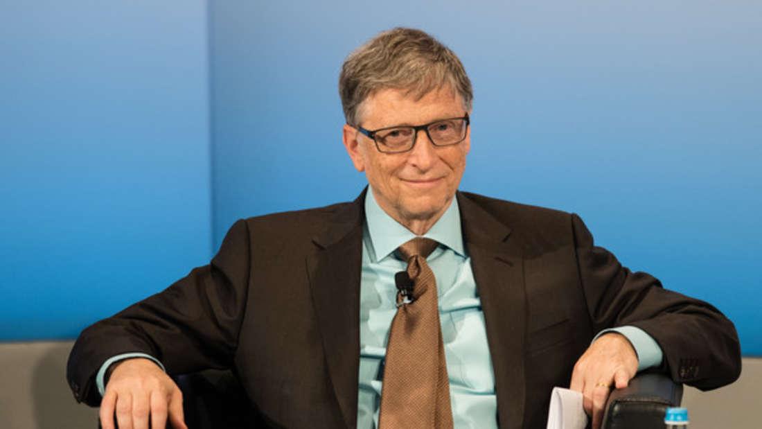Bill Gates (geschätztes Vermögen: 92 Milliarden Dollar)stand jahrelang unangefochten auf Platz 1 im Ranking der Superreichen - obwohl er allein im Jahre 2016 zwei Milliarden Euro an Hilfsprojekte spendete. Sein saftiger Stundenlohn: 456.621 Dollar.
