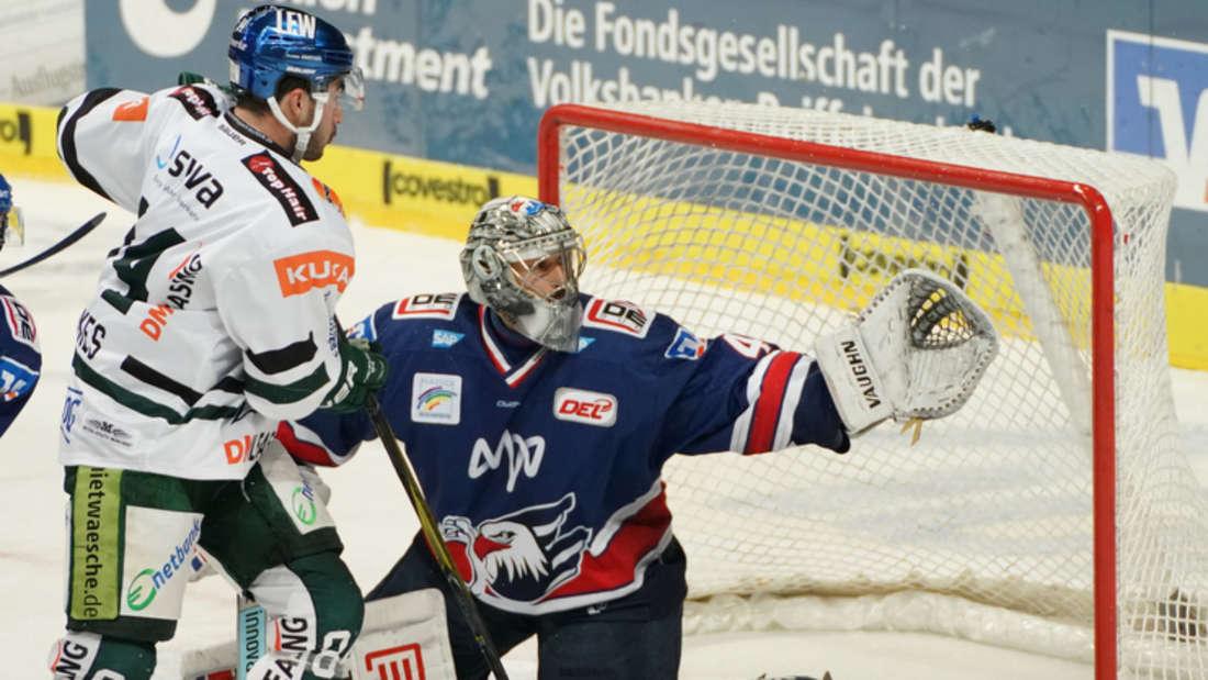 Dennis Endras und die Adler Mannheim sind am Sonntag in Augsburg zu Gast (Archivfoto).