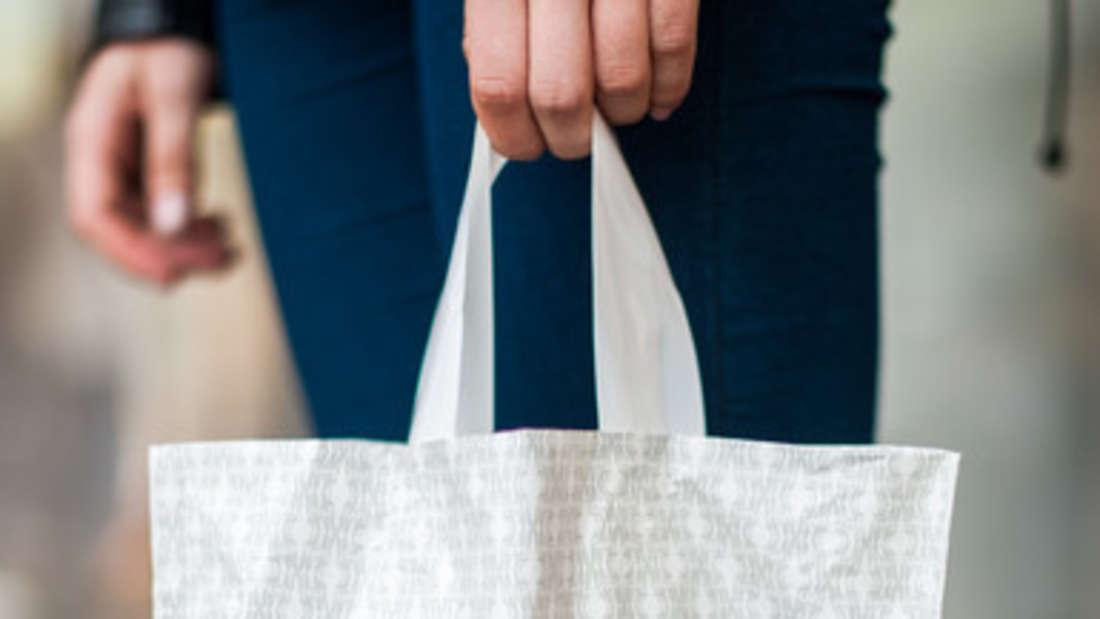 Bei großen Ketten regieren die festen Preise. Rabatte gibt es meist nur im Sale.