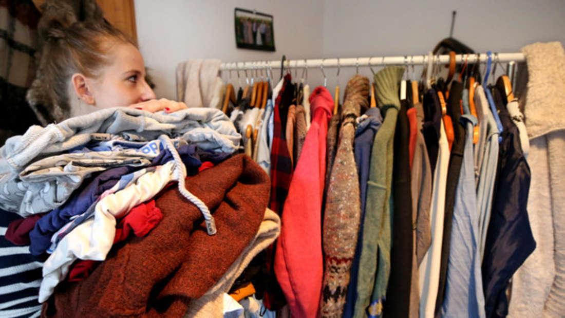 Beim Sortieren der Wäsche müssen Sie mit System vorgehen - dann steht dem Waschen nichts im Weg.