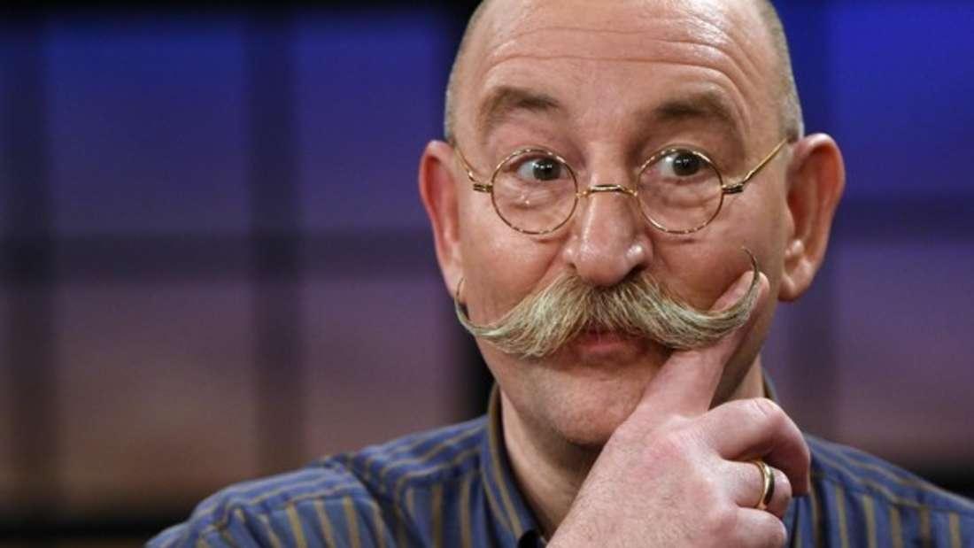 """Horst Lichter ist als Gastgeber der Trödel-Show """"Bares für Rares"""" immer zu einem Späßchen aufgelegt."""
