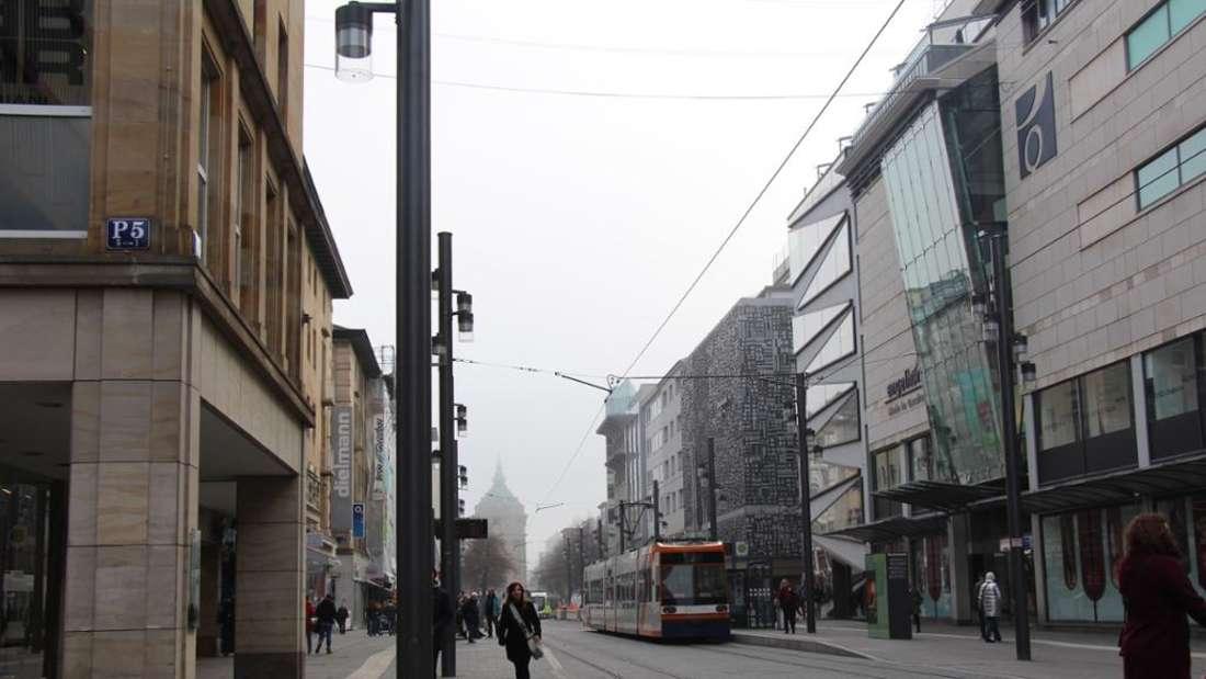 In den letzten zwei Monaten waren mehrere Seitenstraßen auf den Planken gesperrt– nun sind sie wieder offen. (Archivfoto)
