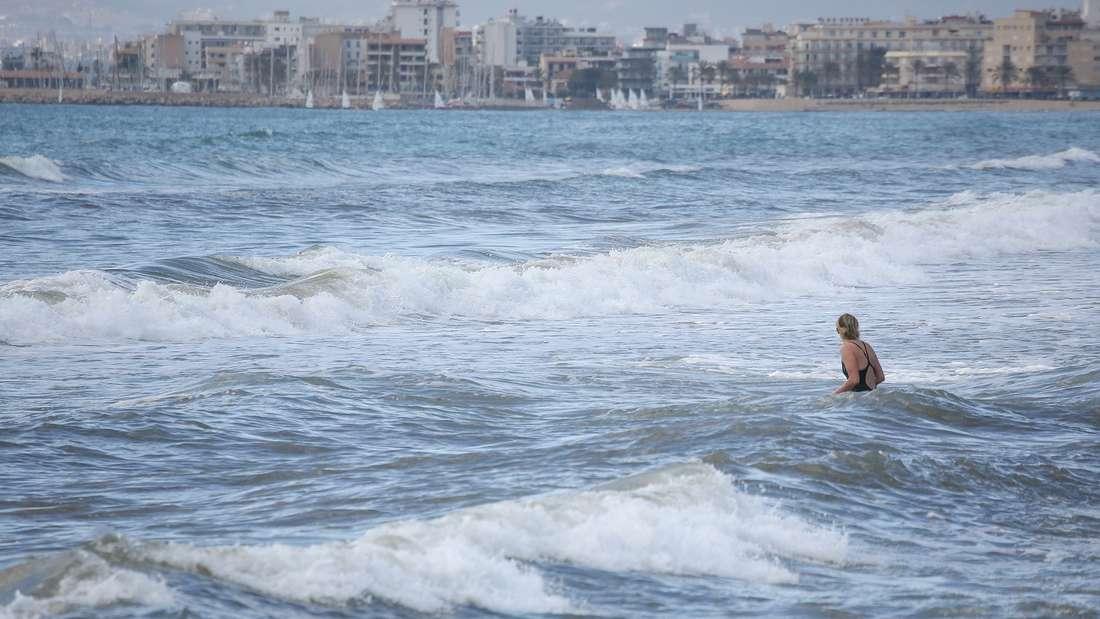 Im Meer urinieren - kann schädlicher sein als Sie vielleicht denken.