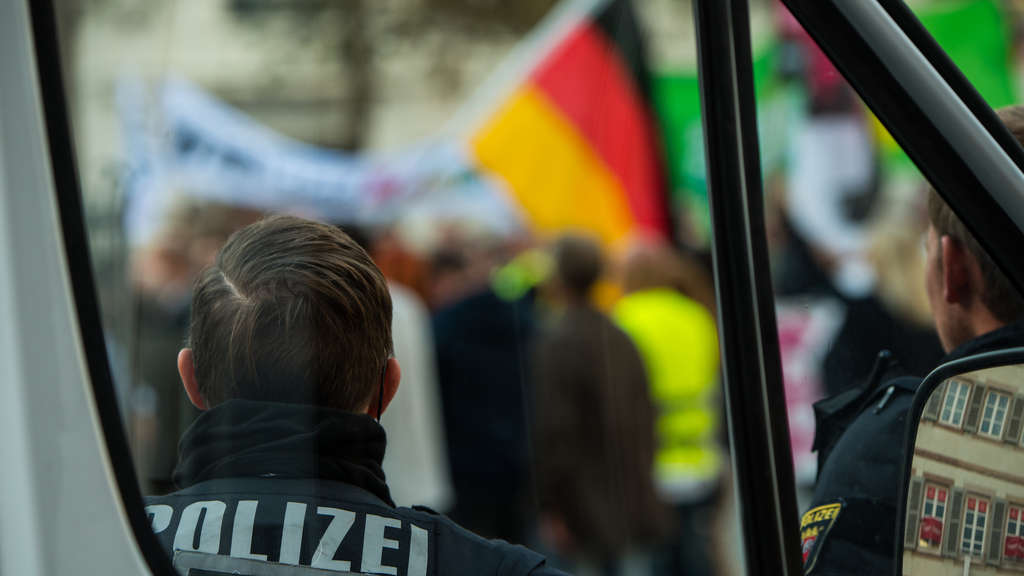 Demonstrationen nach Urteil im Mordfall Mia