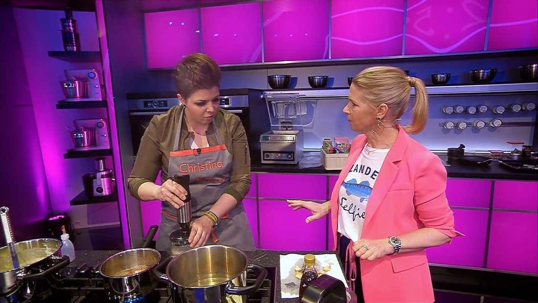 """In der dritten Folge der Sat.1-Koch-Show """"The Taste"""" kommt es zum Zicken-Zoff - Die Kandidatinnen Christina und Martina legen sich mit Cornelia Poletto an."""