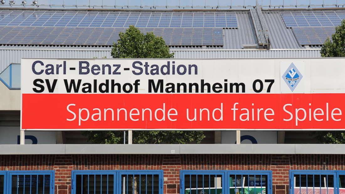 Das Carl-Benz-Stadion soll bei einem Aufstieg in die 3. Liga modernisiert werden.